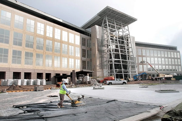 Lawmakers may take away control of Florida hospital project