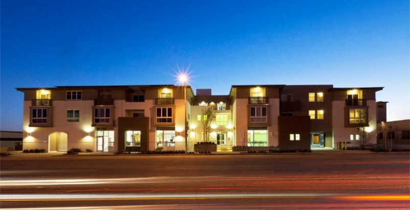 The 35,000-sf U-shaped Palo Verde Apartments takes its architectural cues from t