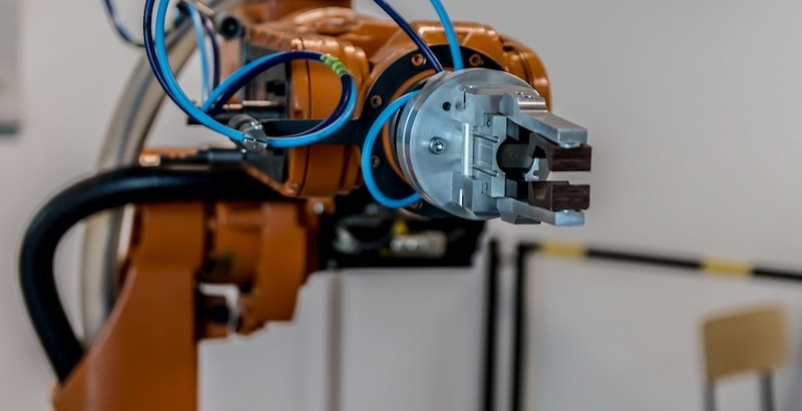 Automated robot arm
