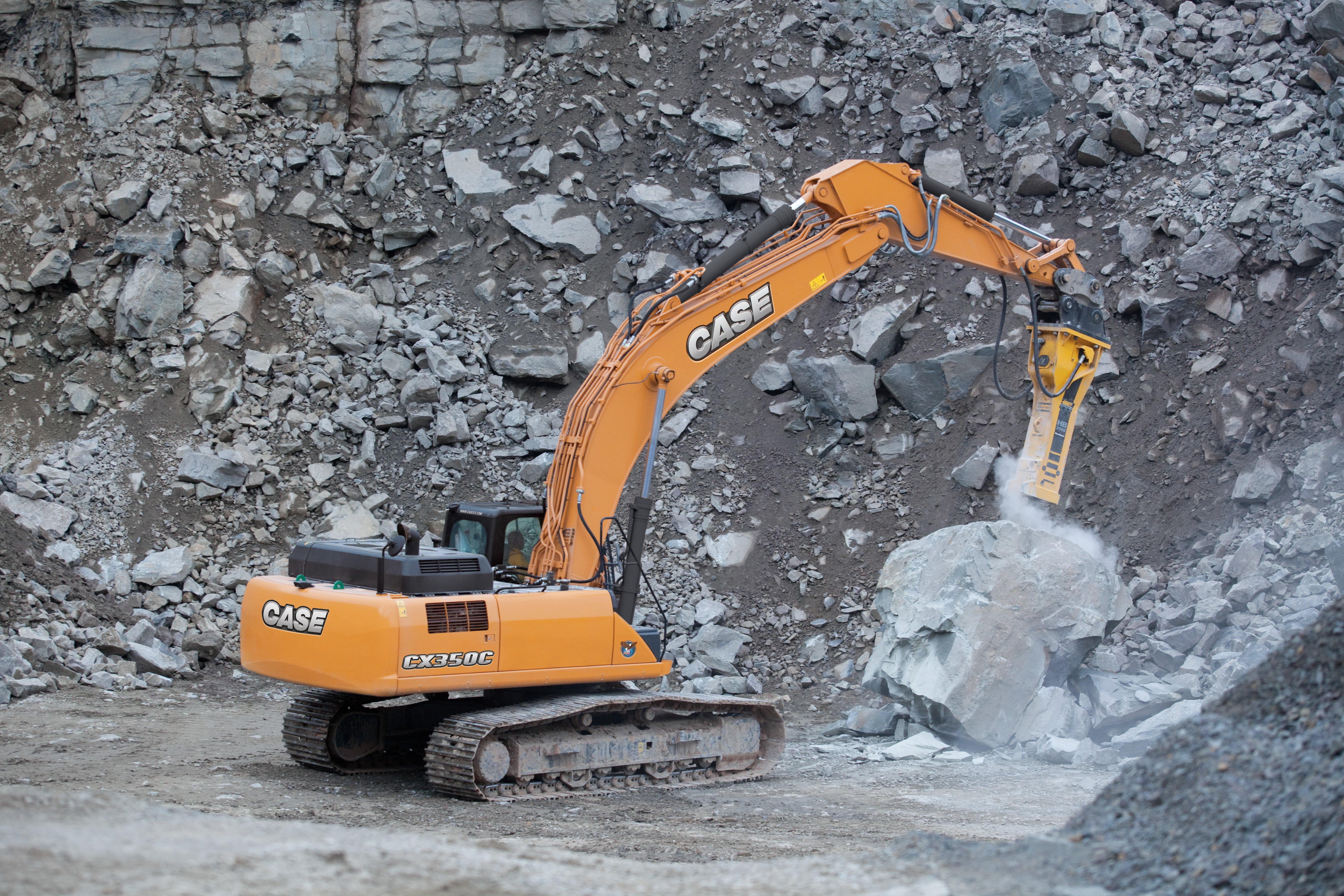 T4-I, Hydraulics, Controls Boost Excavator Productivity