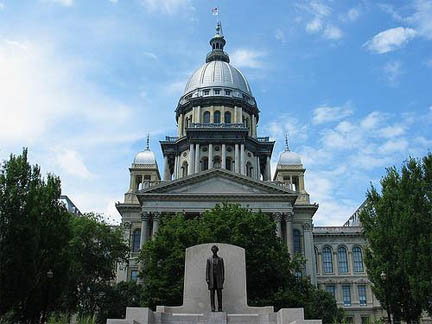 Illinois House Bill 5864 would give tax credits to companies that invest at least $12 million to build, renovate or expand a facility.