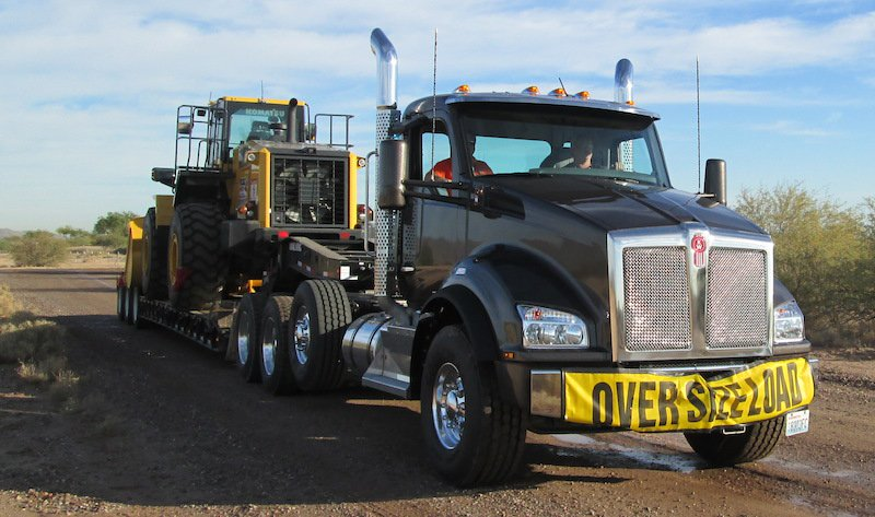 Heavy-Haul Kenworth T880 for Serious Loads | Construction Equipment