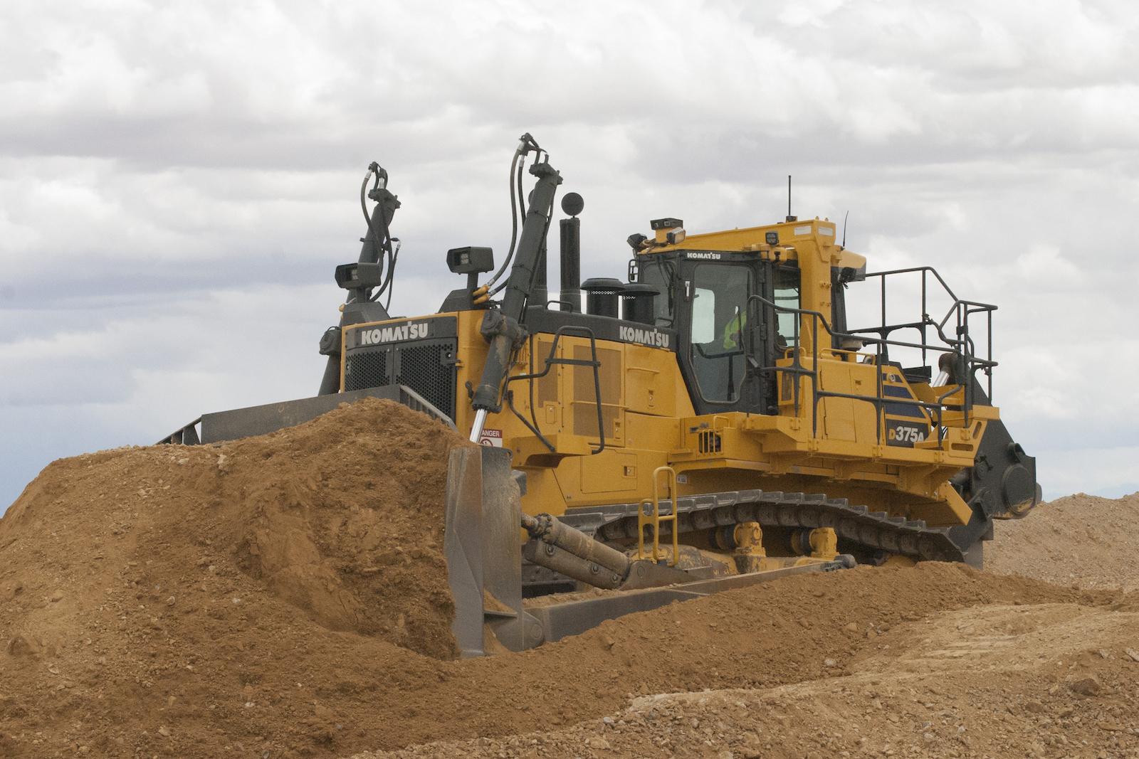 Komatsu D375A-8 Crawler Dozer   Construction Equipment