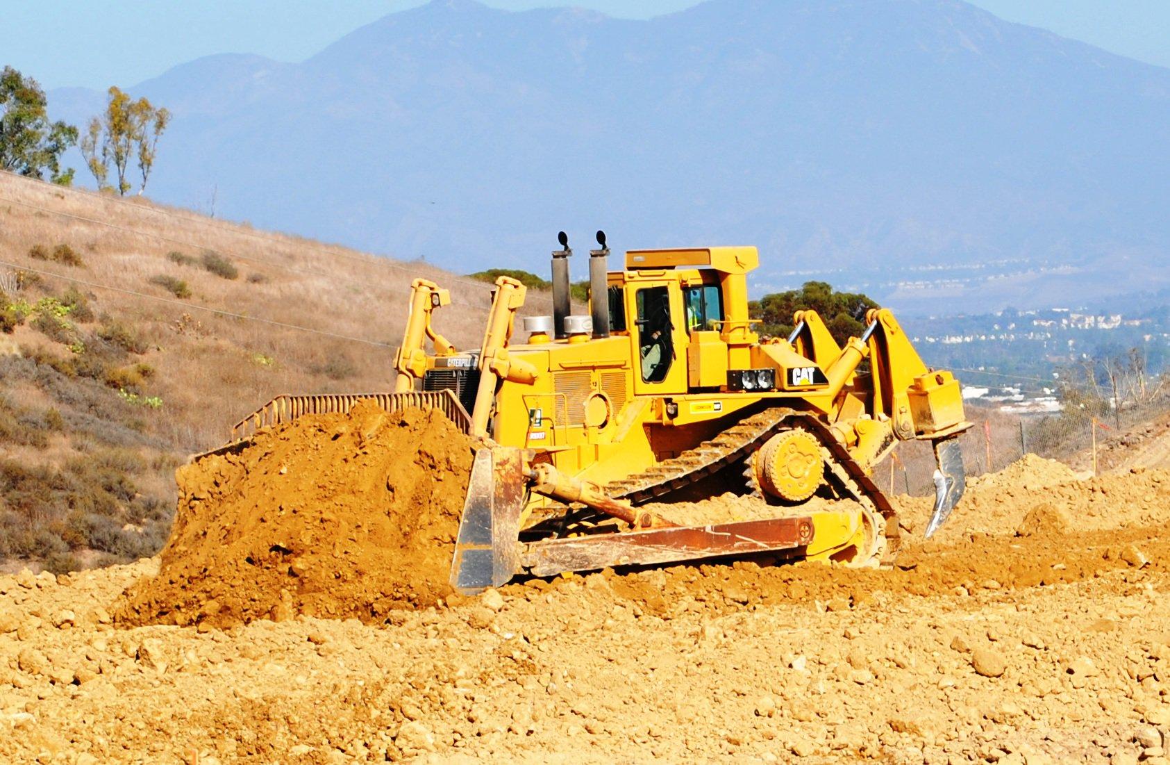 Cat Dozer D11 Repower Doubles Machine Life | Construction