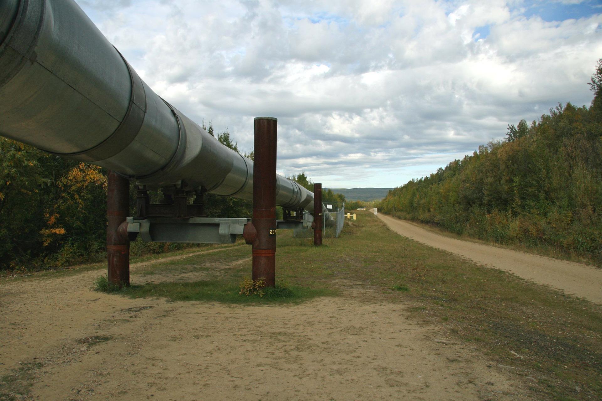 Pipeline construction.