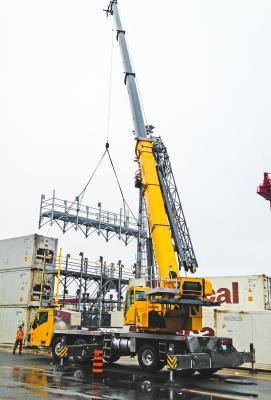 A Grove TMS9000-2 truck crane works in Nova Scotia.