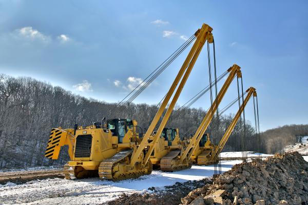 Caterpillar PL72, PL83, PL87 Purpose-built Pipelayers With All-Cat Power Trains