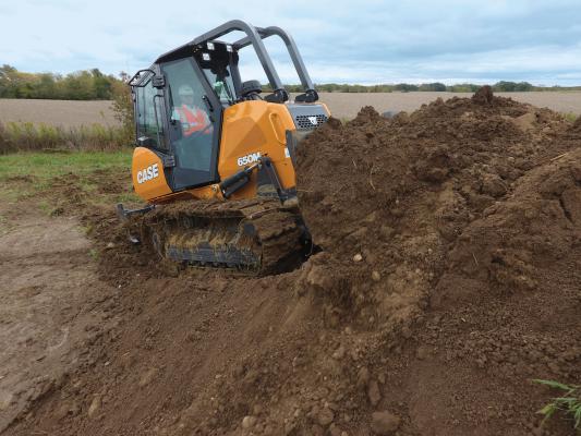 Case 650M bulldozer replaces the 650L.