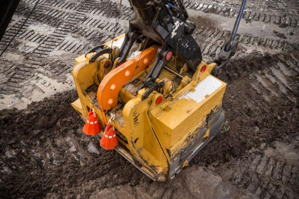 Caterpillar LatchFree Dipper System for Rope Shovels