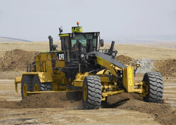 Caterpillar 24 motor grader has a 24-foot-wide moldboard
