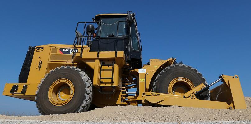 248-horsepower 814K Caterpillar dozer has an operating weight of 48,390 pounds.
