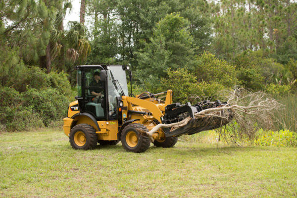 Cat 903D compact wheel loader handles buckets from 0.8 to 1.3 cubic yards
