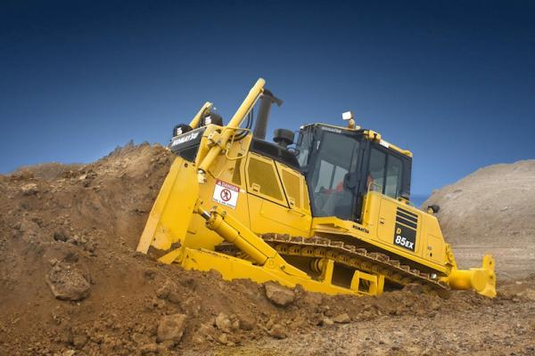 Komatsu D85-18 dozer has a new automatic transmission with two gearshift modes