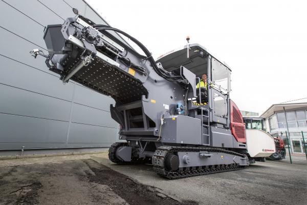 Dynapac MF2500CS Material Feeder   Construction Equipment