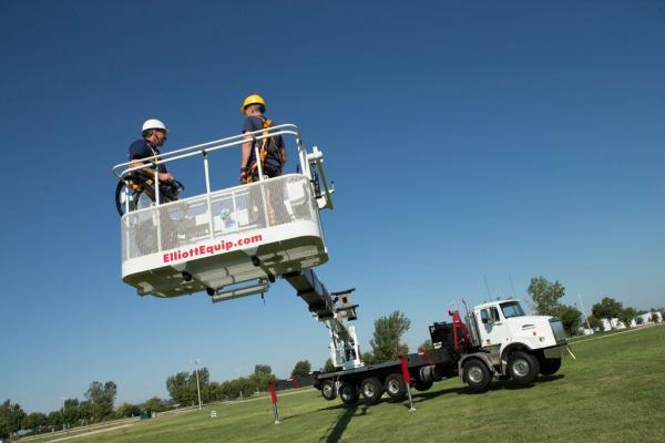 Elliott Equipment E190 Aerial Work Platform Reaches 202 Feet