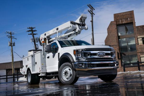 Ford F-600 medium-duty truck has a maximum GVWR of 22,000 pounds