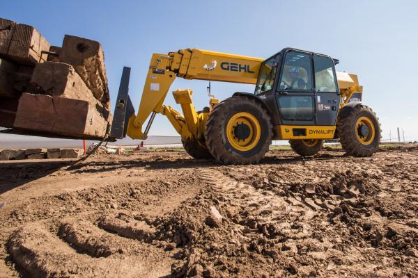 Gehl DL Gen:3 Series includes four telehandlers models