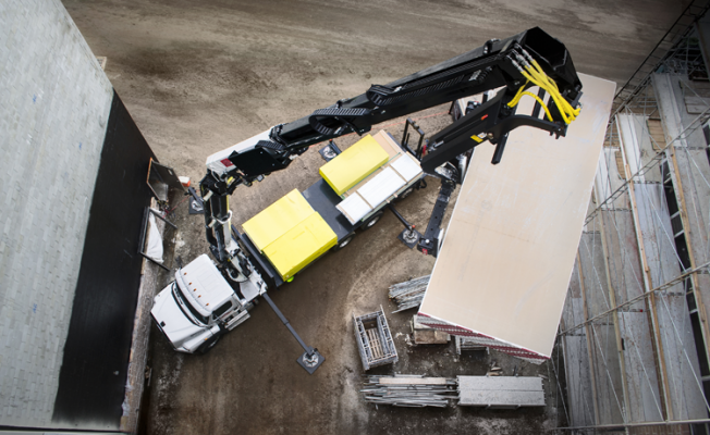 Iowa Mold Tooling 42684 is a hydraulic loader crane