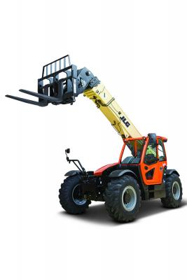JLG 1644 telehandler has a lift capacity of 15,600 pounds