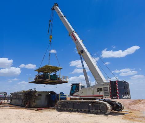 Link-Belt TCC-1200 crawler crane has a base rating of 120 tons.