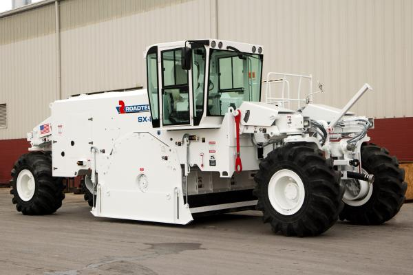 Roadtec SX 8e has an operating weight of 82,000 pounds and is capable of cutting up to 20 inches deep and 100 inches wide.