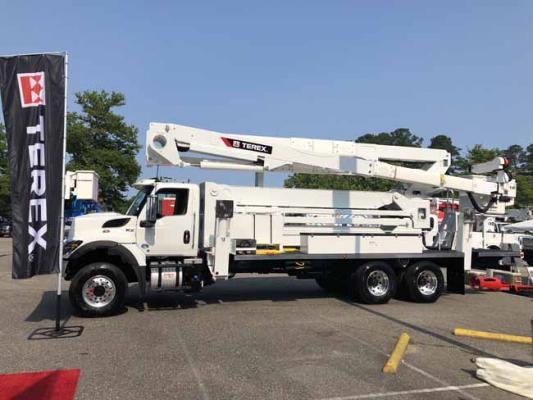 Terex Utilities TL100 has more than 61 feet of horizontal reach
