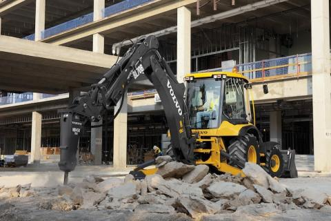 Backhoes Still Capitalizing on Multifunction Design | Construction