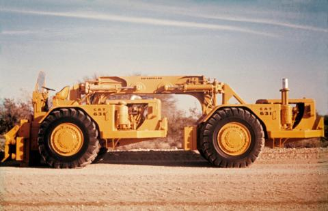 The Dual 631 compactor, nicknamed Stomper, consisted of two 631A prime movers and had pad-foot wheels in place of tires.