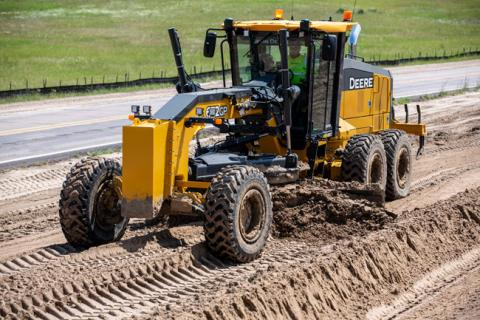 Motor grader has machine control technology within hydraulic cylinders