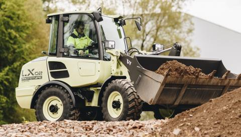 Volvo LX2 compact wheel loader uses a lithium-ion battery