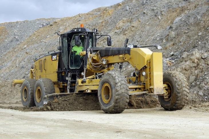 Caterpillar Extends Motor Grader Offering with 18M3