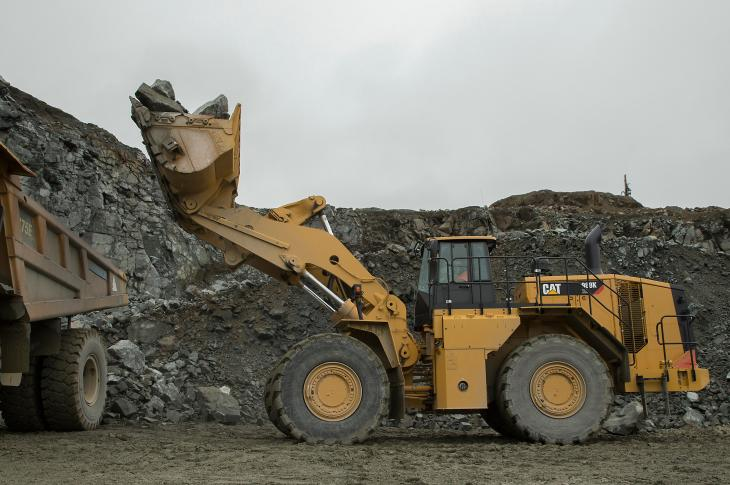 Caterpillar 988K XE wheel loaer has an electric drive system that uses the company's switched reluctance technology.