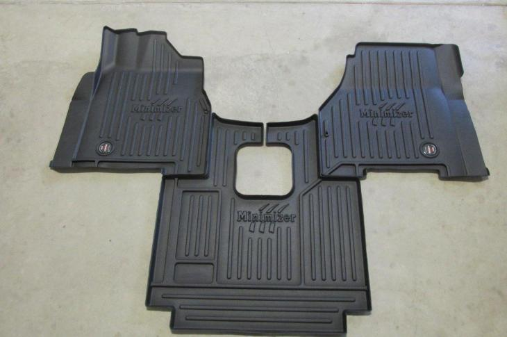Minimizer Custom Molded Floor Mats for Freightliners