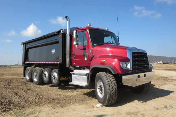 Freightliner 114SD has rugged styling
