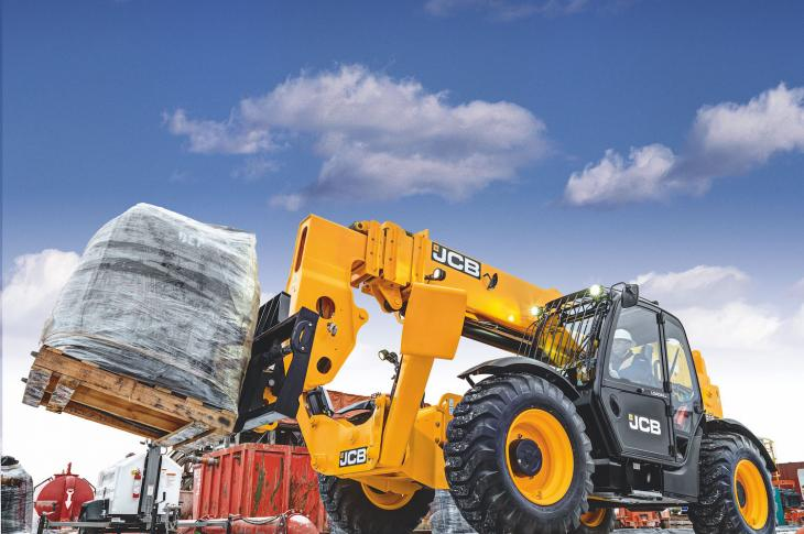 The JCB Arctic kit enables the telehandler to start and operate in temperatures as low as -40 degrees Fahrenheit.
