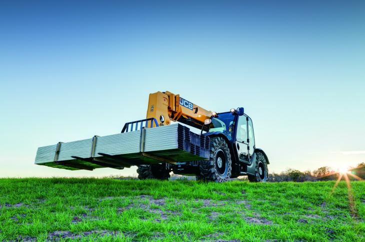 JCB 510-42 Loadall telehandler has a 10,000-pound maximum lift capacity