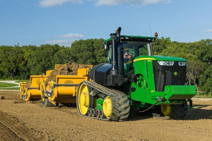 John Deere 9R/9RT Scraper Tractors Reduce Fuel Consumption