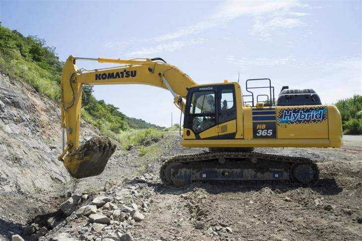 Komatsu HB365LC-3 hybrid excavator uses fourth-generation technology