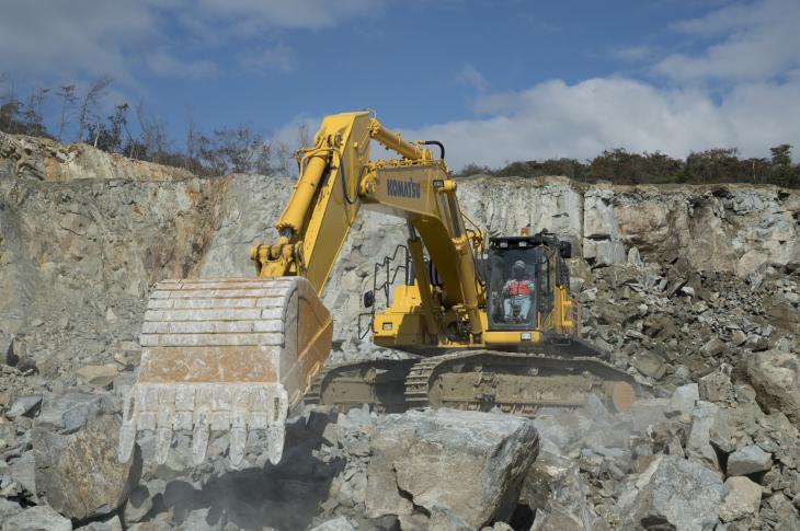 Komatsu PC650LC-11 excavator has a 436-horsepower Komatsu SAS6D140E-7 engine