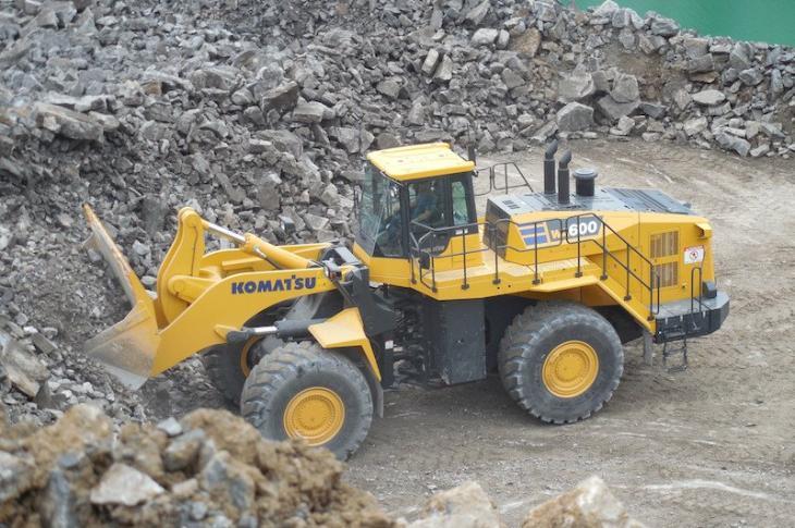 Komatsu WA600-8 wheel loader is certified Tier 4-Final