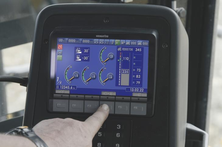 Argus PLM integrates into Komatsu's Komtrax operating system and forms part of the on-board display.