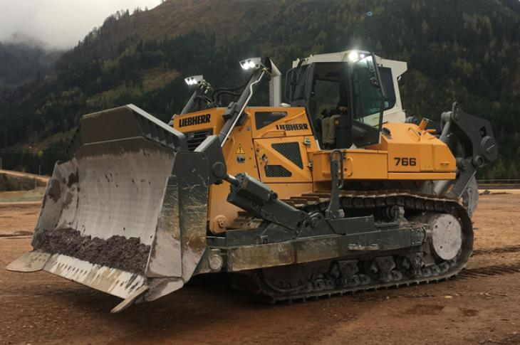 Liebherr PR 766 dozer is a 422-horsepower unit with operating weights between 101,000 and 119,500 pounds, and it replaces the PR 764 in the company's line.