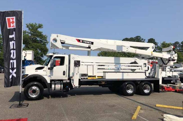 Terex Utilities TL100 has more than 61 feet of horizontal reach