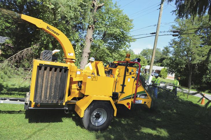 Vermeer Gas-Powered BC1200XL Chipper