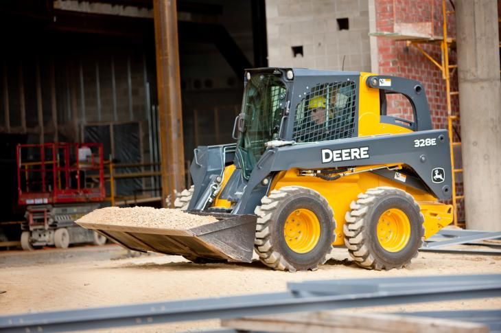 John Deere has used its Worksite Journal customer magazine to publish a handy guide on trailering small equipment.
