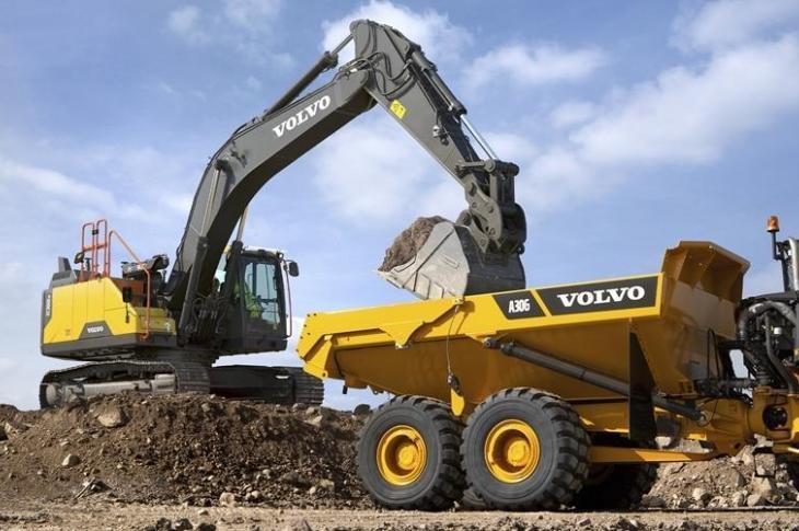 Volvo's EC330, a hybrid excavator, on site.