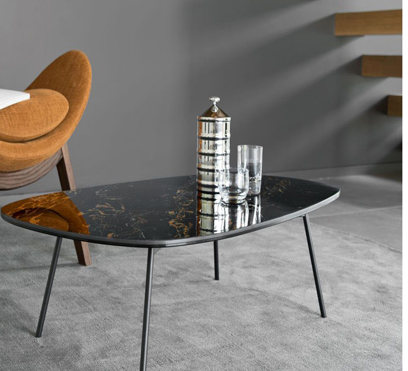 Tweet black table table from Calligaris