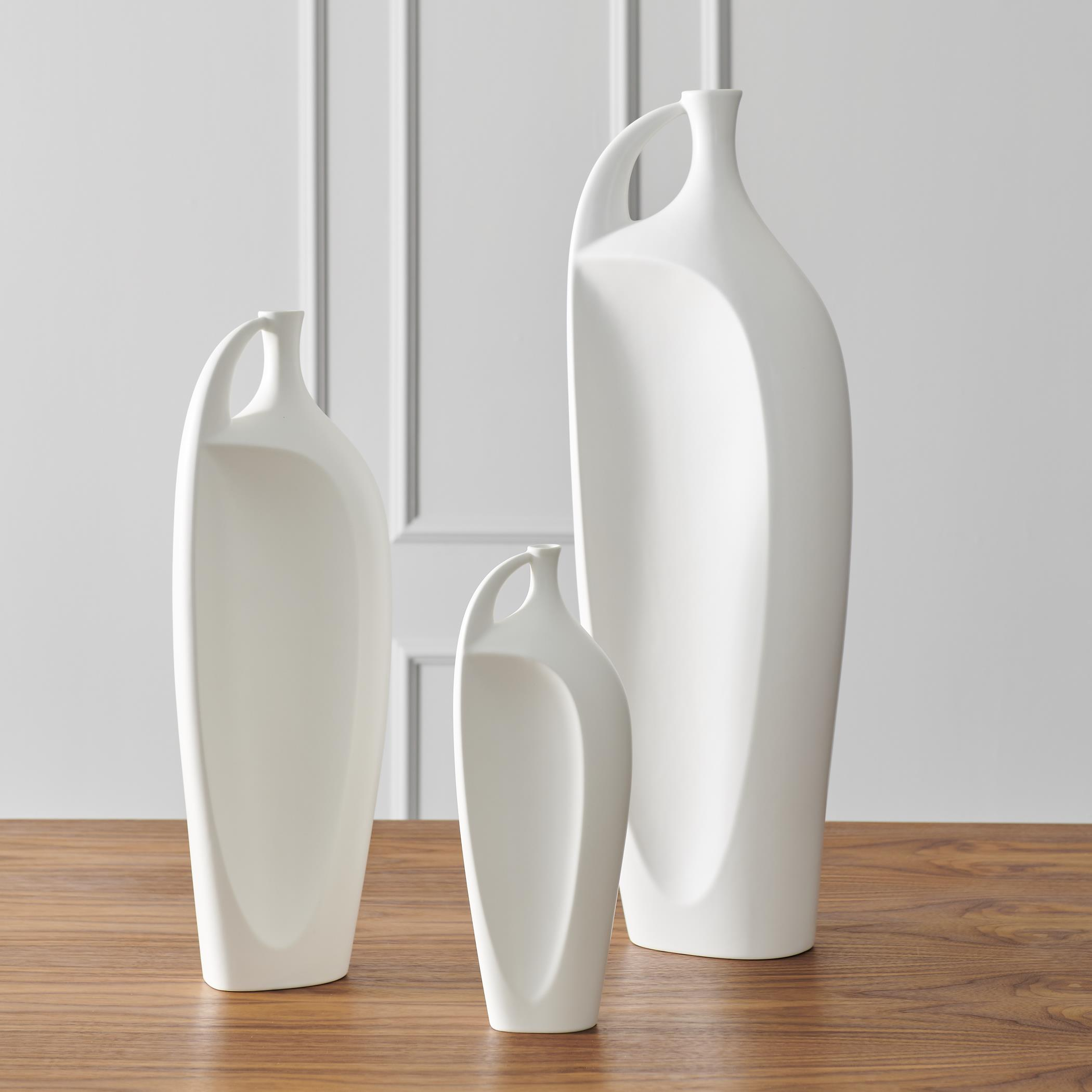 Global Views Indentation vase