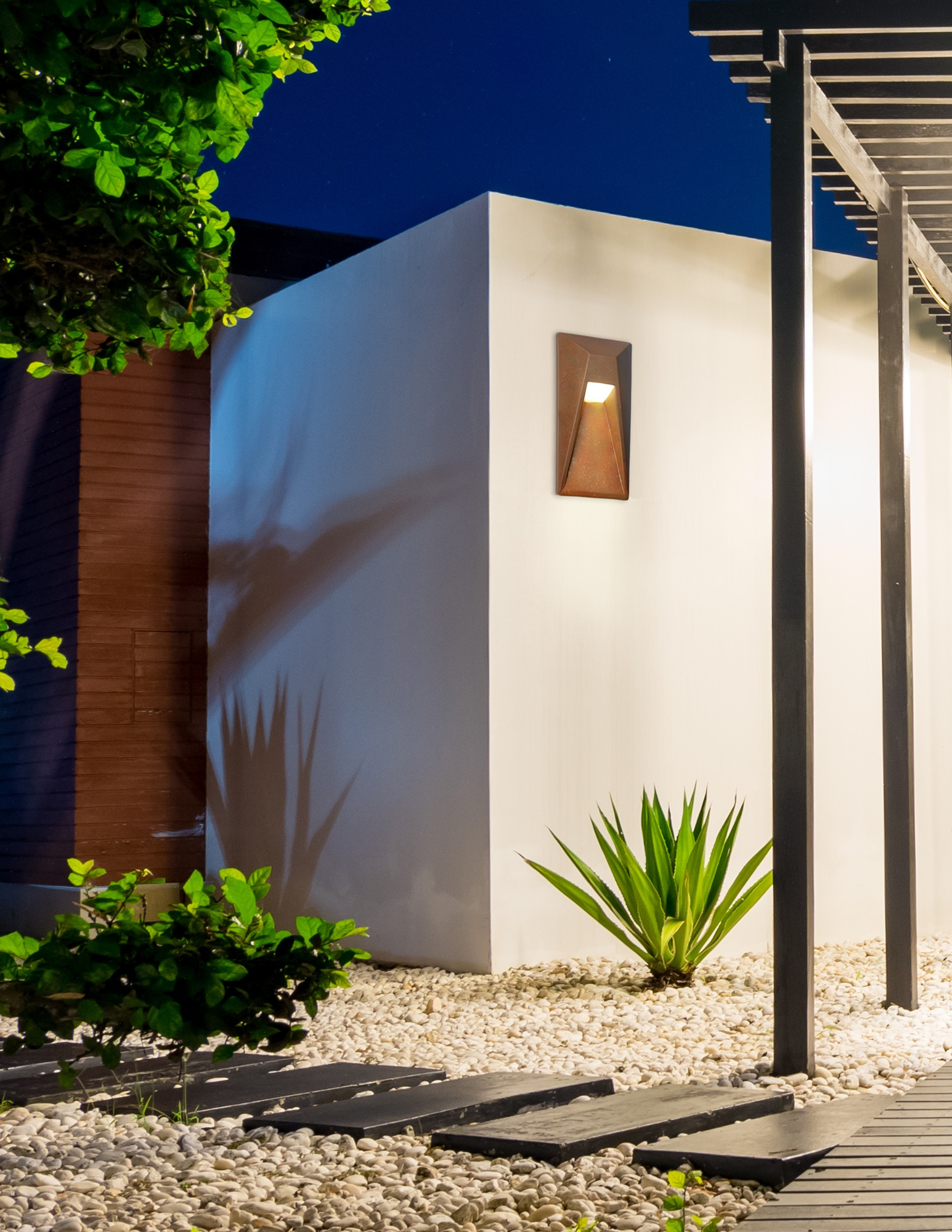 Justice Design Group ADA Vertice LED outdoor sconce