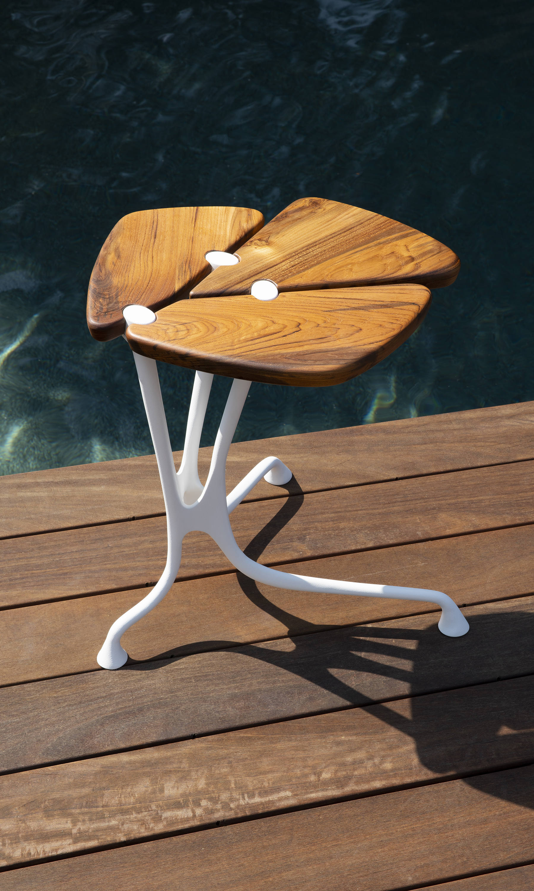 LINK Outdoor Lapis table